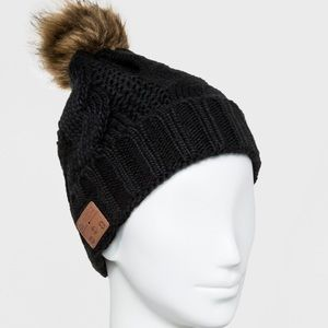 52011d41800 Accessory Innovations Accessories - NWT Bluetooth Fleece Lined POM Beanie